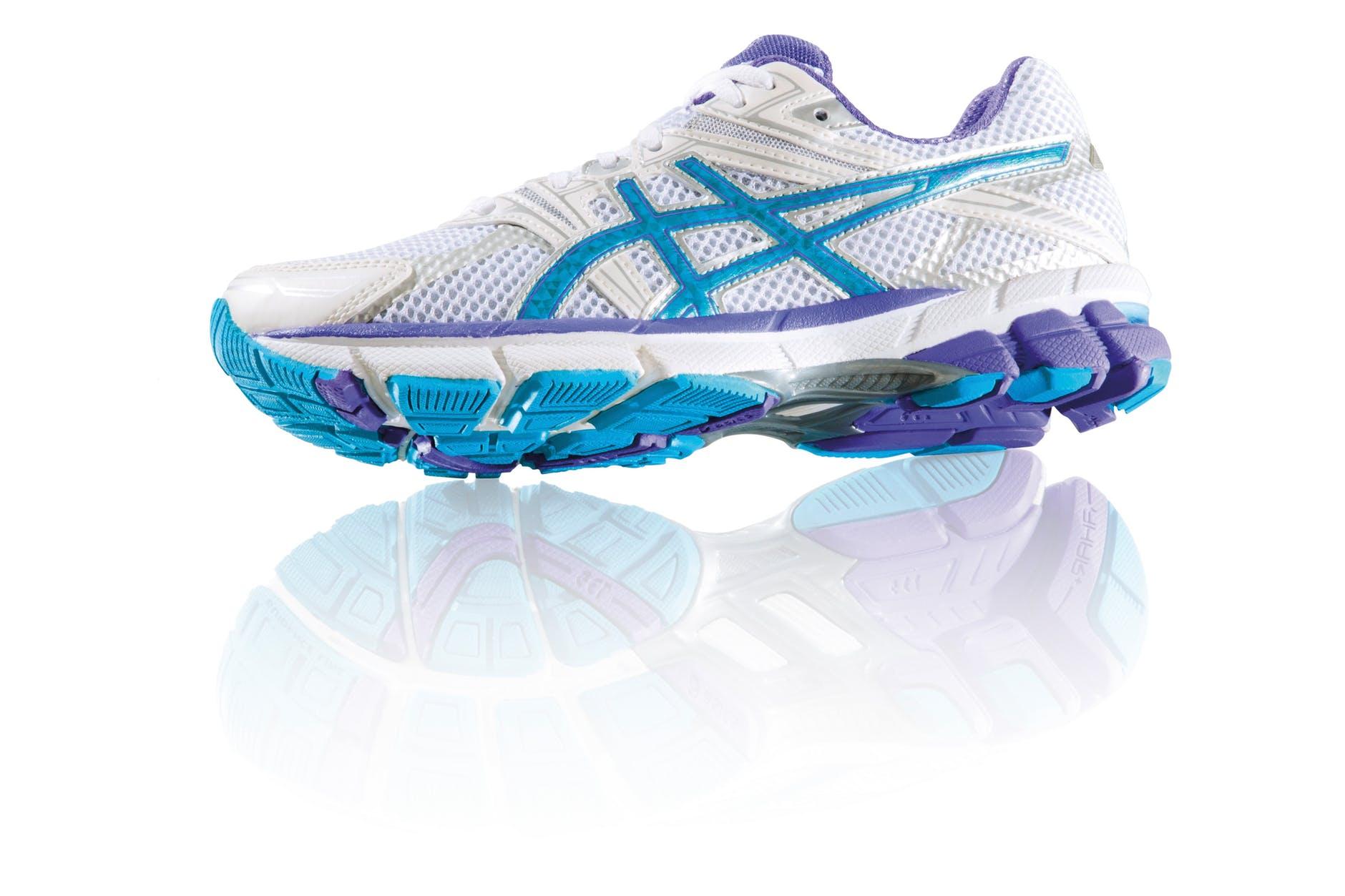 running-shoe-shoe-asics-highly-functional-57421.jpeg